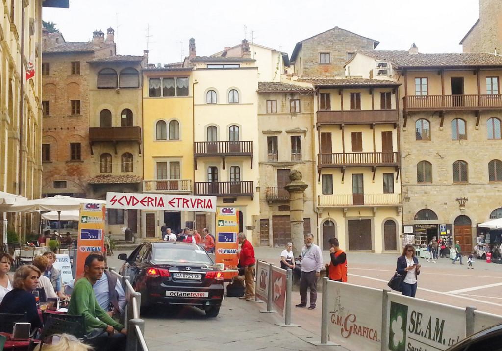 Arezzo, l'entrata in Piazza Grande.