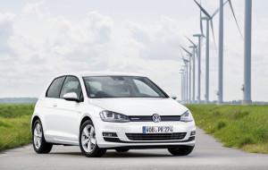 L'ultima versione della Volkswagen Golf. Quinta auto più venduta in Italia e seconda tra quelle offerte dalla casa con impianto a metano-----